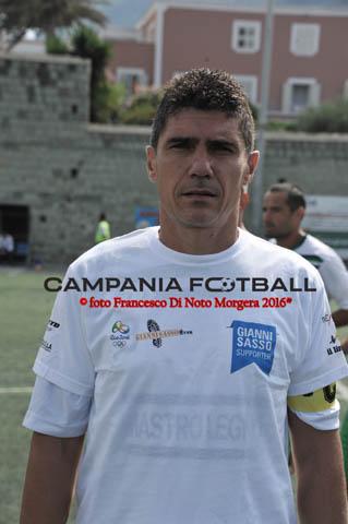 """Real Forio-Nicola Mora indossa la maglia di Giovanni Sasso """"siamo orgogliosi di lui"""""""