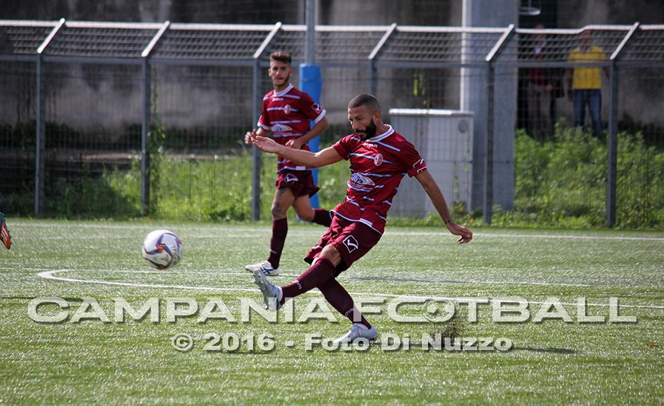 Afro Napoli United, difesa blindata con De Fenza e Rinaldi