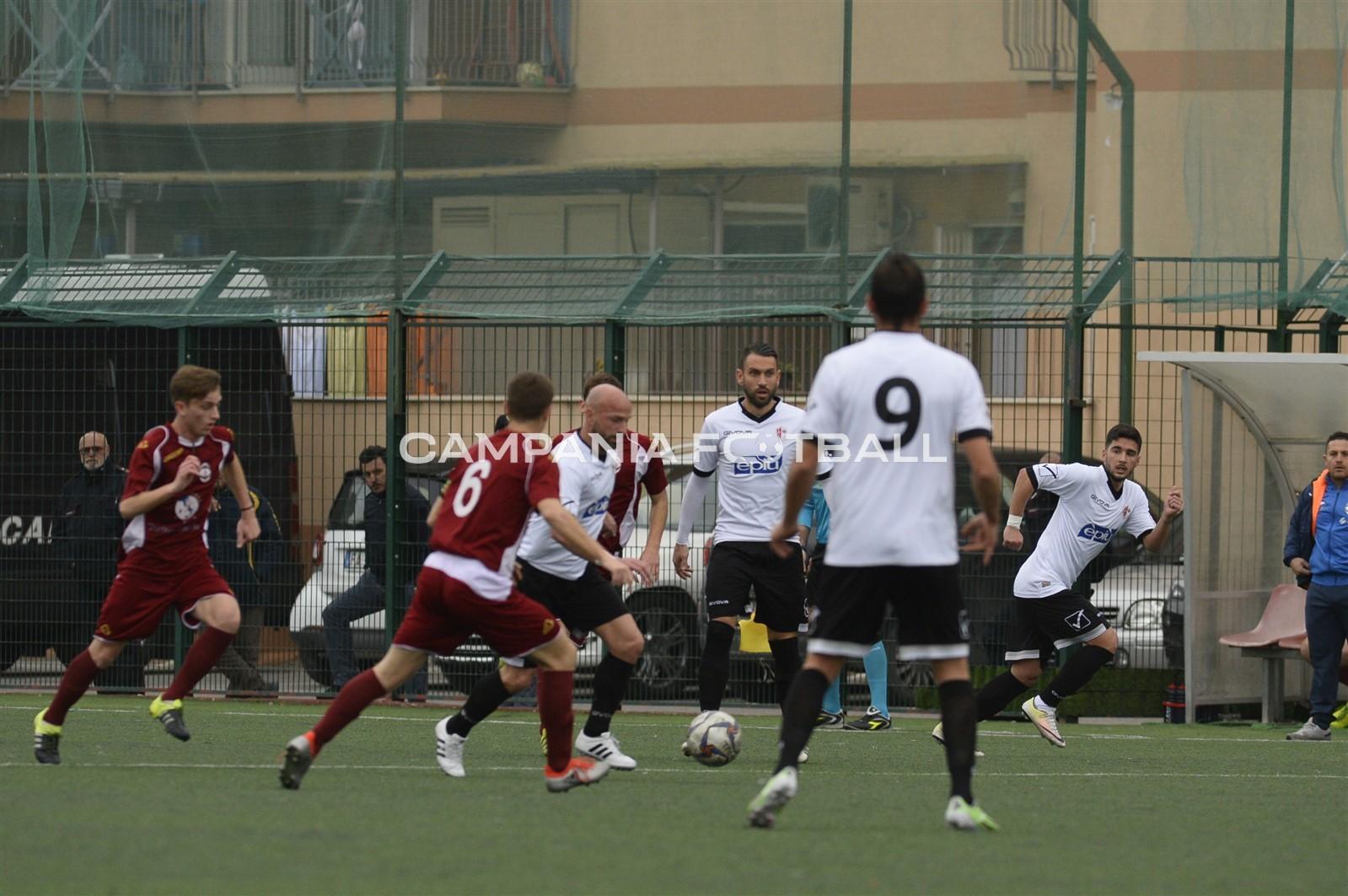 """La verità di Lippiello: """"Torre Annunziata e Gragnano rischiano di restare senza calcio, forse andrò con Gaglione"""""""
