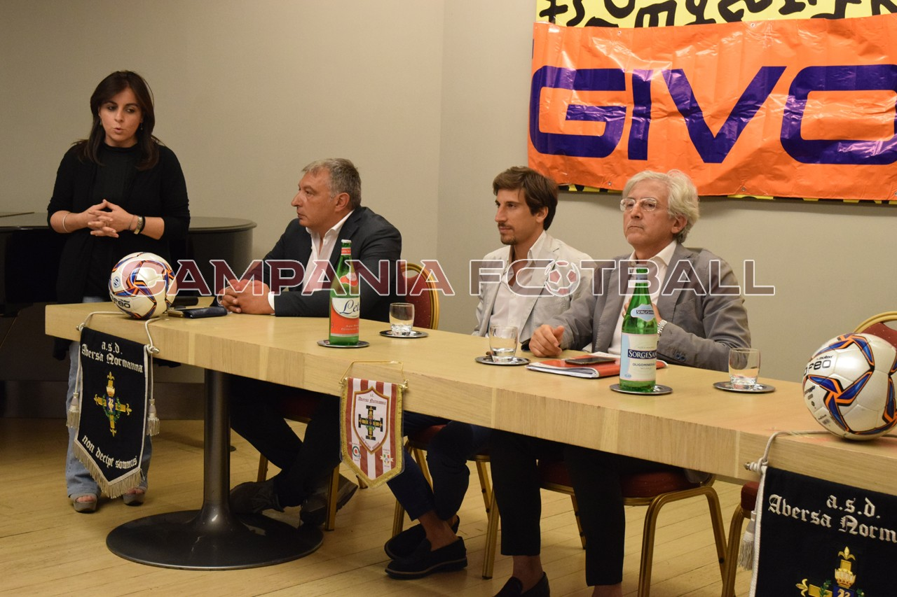 FOTO | Conferenza stampa Aversa Normanna 2017/18