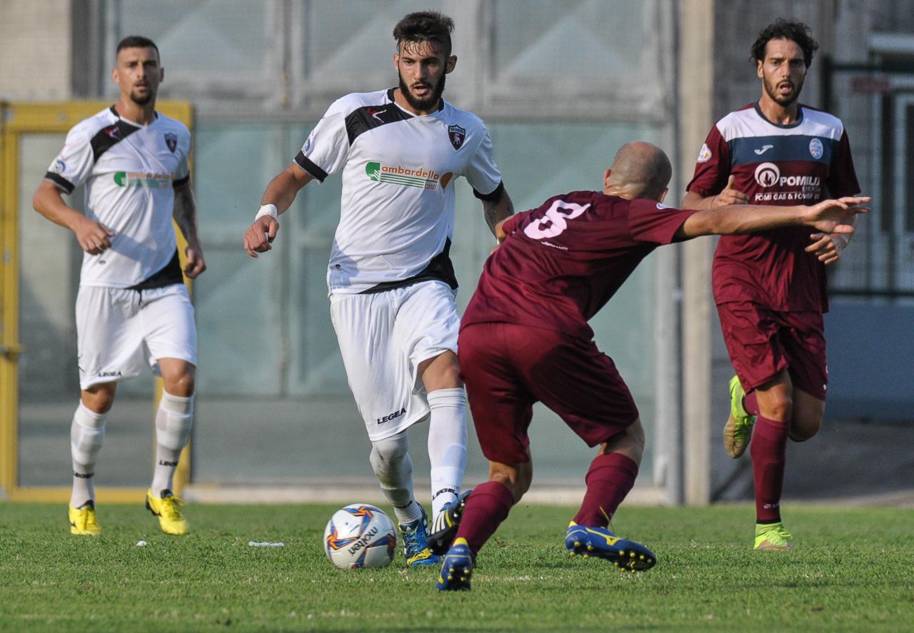 COPPA ITALIA SERIE D. NOCERINA-POMIGLIANO 2-0: buona la prima, Cavallaro e Russo stendono i granata