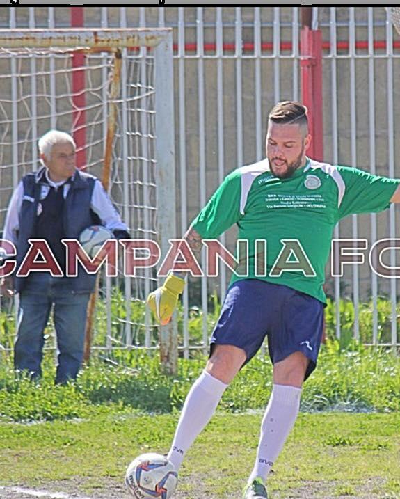 Nicola Manzella mas que un giocatore: il cuore ultras per Ponticelli
