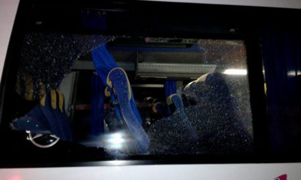 Castellabate, finale tragico dopo la partita: sassaiola contro il pullman del Salernum Baronissi