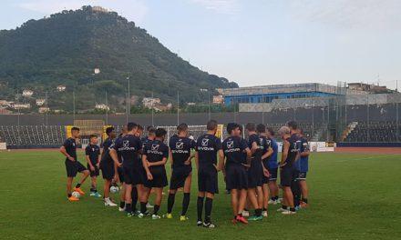 La Cavese di Coppa divide i tifosi. C'è però fiducia in Modica e Pavone.
