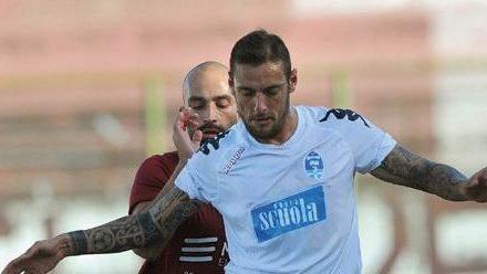 """INTERVISTE  L'attaccante Scalzone: """"Ad un passo dall'Avellino, cerco la serie C o un top club di D. Eboli?""""Un finale già scritto"""""""