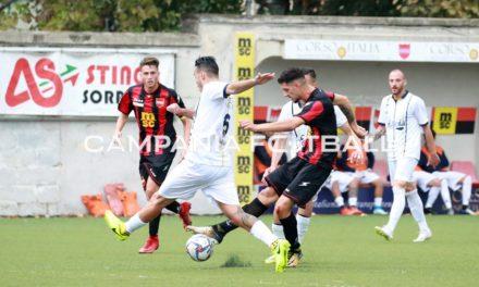 Santaniello-gol e il Picerno è a -1 dalla Serie C: blitz in Costiera, ma il Sorrento meritava di più