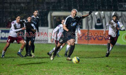 Cavese, De Rosa-gol non basta. Capuano porta via un punto.
