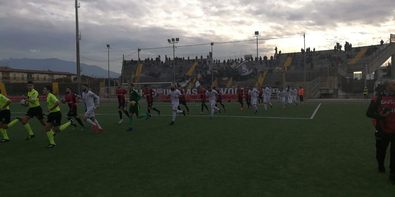 Serie D, Savoia-Picerno 0-0: I bianchi fermano la capolista Picerno