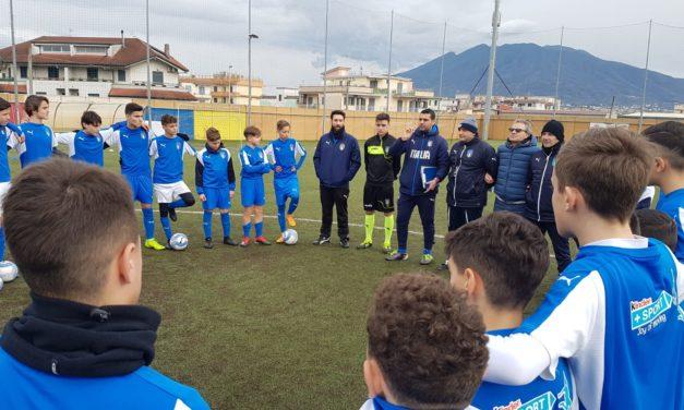 Giovani calciatori e arbitri si allenano insieme, l'iniziativa di Sgs e Aia