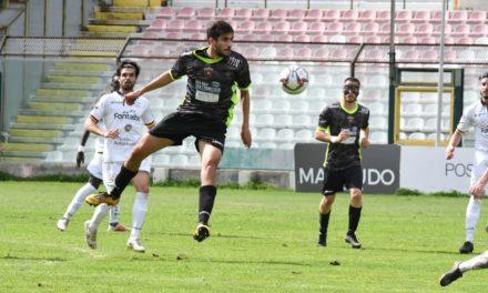 Nocerina scarica e sottotono: il Messina vince 2-1
