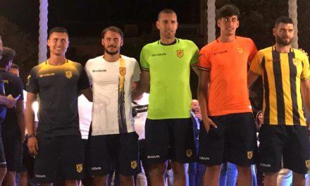 Juve Stabia, ecco il design e gli elementi tecnici delle nuove maglie 2019/2020