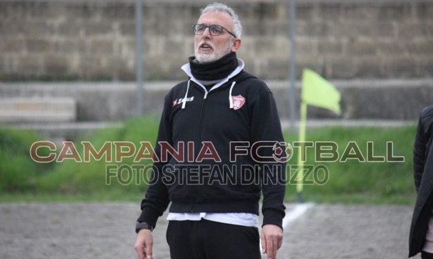 Antonio Liguori ai saluti con la famiglia Aveta, il tecnico in cerca di una nuova avventura