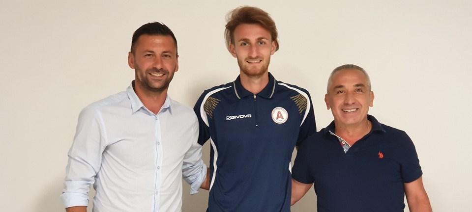 UFFICIALE – Serie D, Acireale: rinnova il campano Raucci